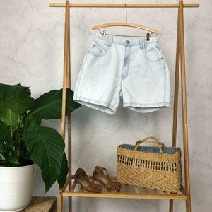 Vintage 90s Light Wash High Rise Mom Jean Shorts
